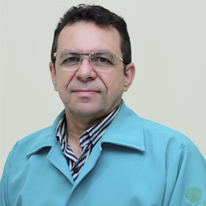 Dr. Vicente Andrade